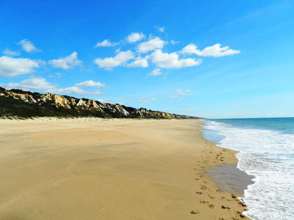 ...alla spiaggia.