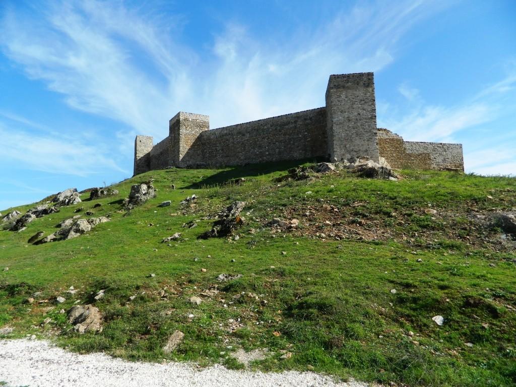 Il complesso della Chiesa e del Castello di Aracena, dove gli stili cristiani e mussulmani si mescolano armoniosamente.