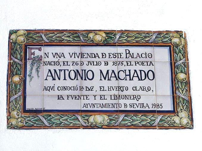 Insegna dedicata ad Antonio Machado al Palacio de las Dueñas di Siviglia.