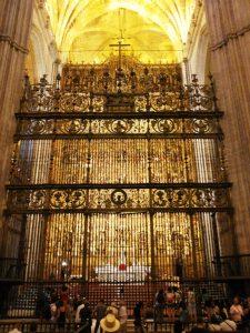 Cosa vedere siviglia cattedrale altare