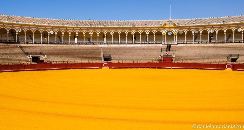 Plaza_de_toros_Siviglia