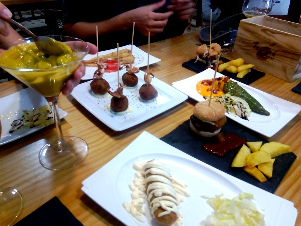 cosa_mangiare_andalusia_tapas_tapeo