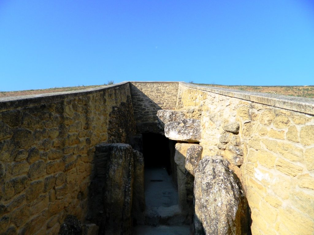 cosa_vedere_antequera_andalusia_dolmen