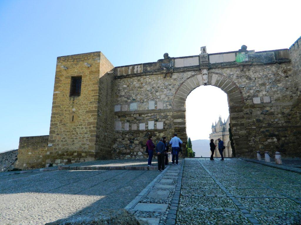 cosa_vedere_antequera_andalusia_dolmen_arco