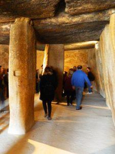 cosa_vedere_antequera_andalusia_dolmen_menga_interno