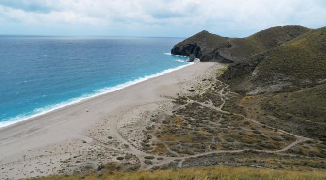 Le contrapposte spiagge di Carboneras
