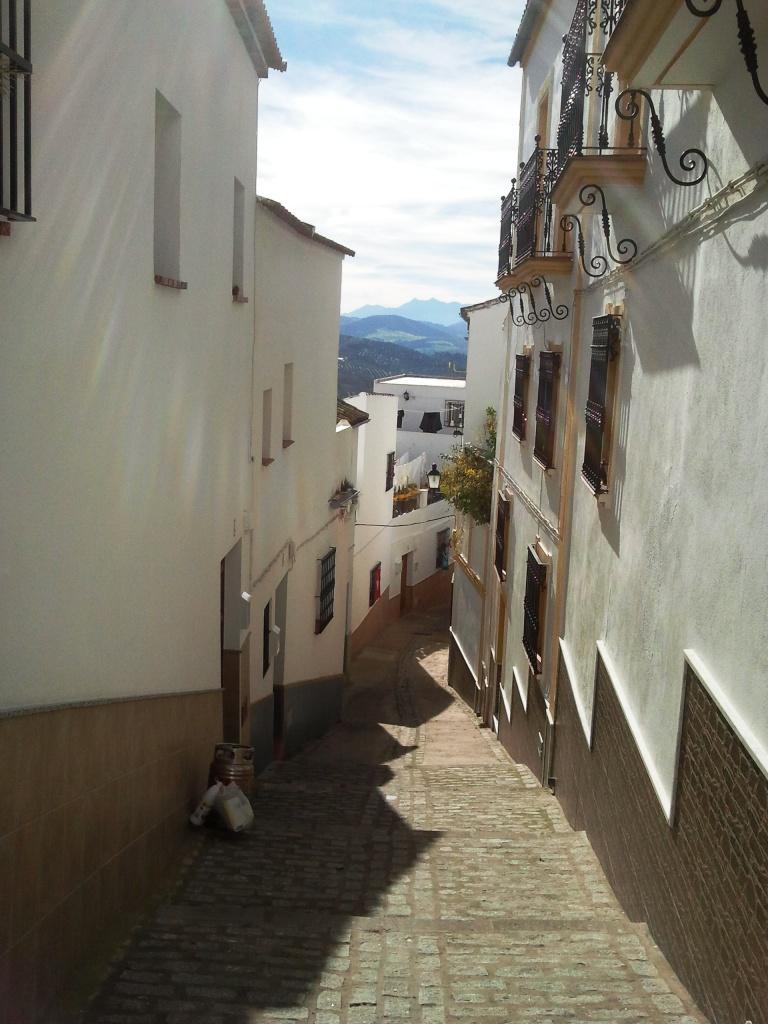 cosa-vedere_-andalusia_-cadice_olvera_consigli_tour_andalucia_calle