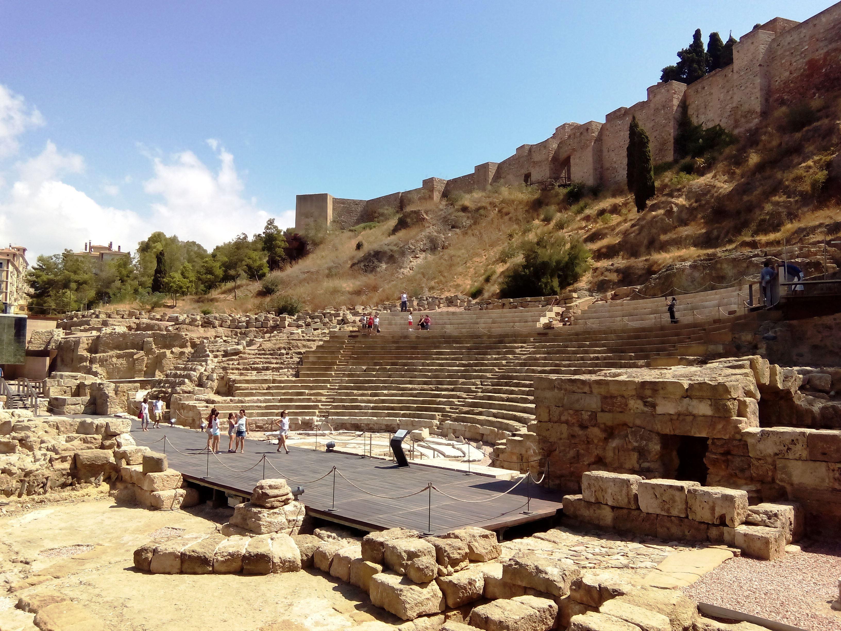 malaga_teatro-romano_andalusia_andalucia_cosa-vedere_consigli_tour_viaggio_vacanza
