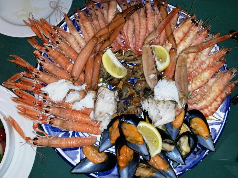 cosa mangiare andalusia pesce choco cigalas
