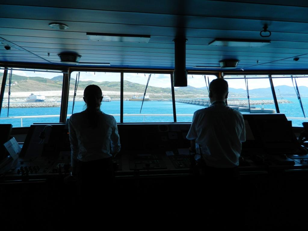 traghetto stretto marocco balearia approdo