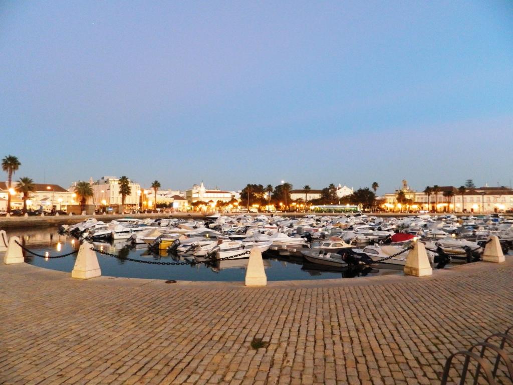 cosa_vedere_faro_porto_turistico