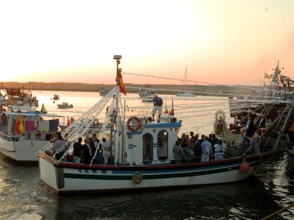 Virgen_Carmen_Andalusia_festa_madonna_barca