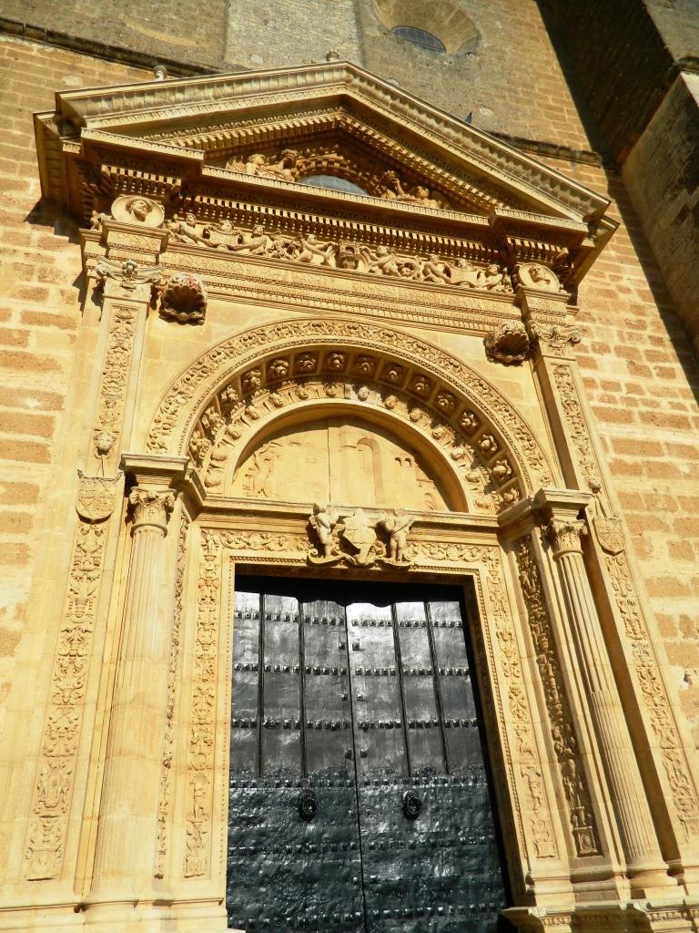 cosa_vedere_osuna_siviglia_andalusia_porta