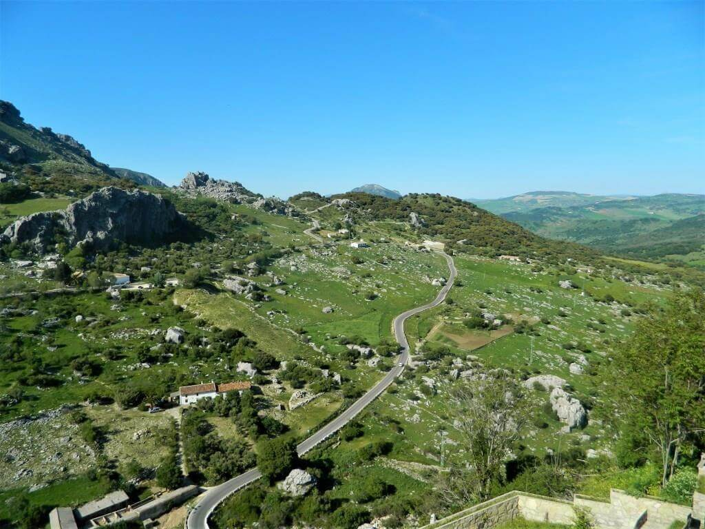 Andalusia_on_the_road_grazalema