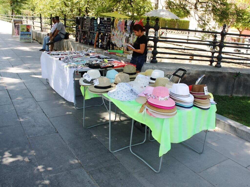 siviglia_prodotti_tipici_cappelli