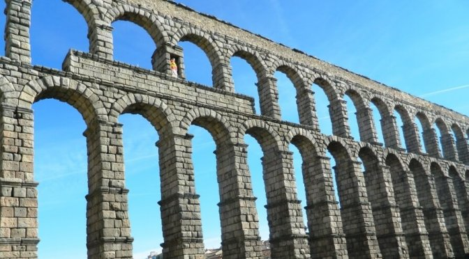 Cosa vedere a Segovia in un giorno: l'acquedotto vicino Madrid