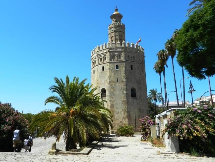 tour_siviglia_torre_oro_esterno