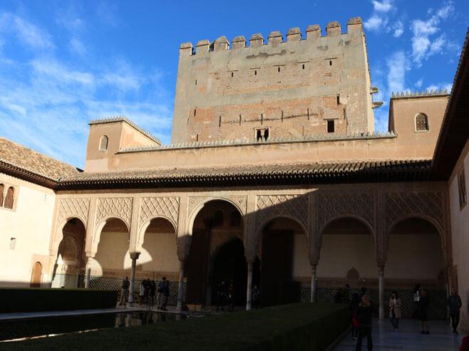 visitare_alhambra_granada_guida_cortile