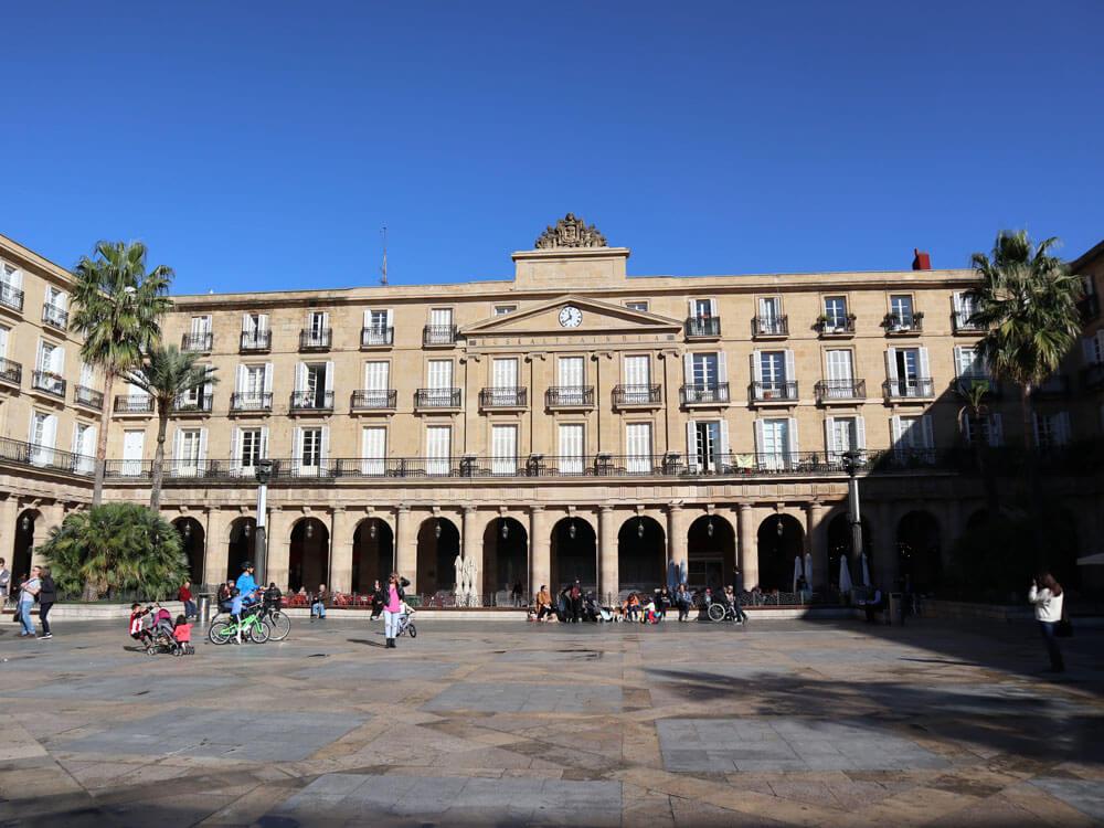 cosa_vedere_bilbao_plaza_nueva